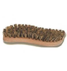 Brosse dure pour nettoyage du mastic avec de la sciure de bois
