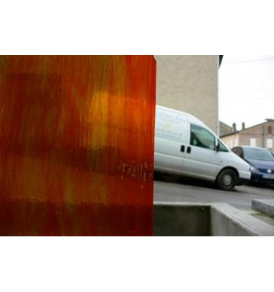 """Verre """"W"""" rouge sélénium jaune et opaline 26x26cm"""
