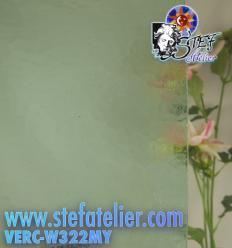 """Verre """"W"""" Mystic vert très pale 26x26cm"""