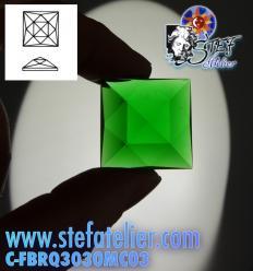 cabochon carré multifacettes vert 3x3cm