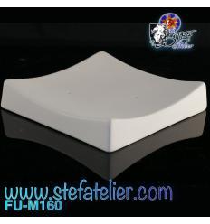 Moule fusing petite assiette carré angles relevés 8.5 cm de côté h: 1.5 cm environ