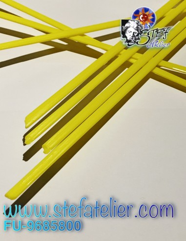 Opaque yellow noodles System 96 / 142grs